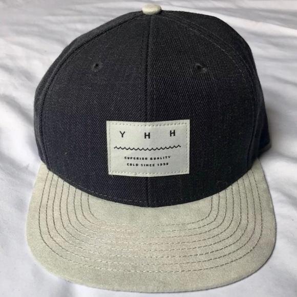 64f984b818d H M Other - H M Grey Snapback   Flat Brim Hat